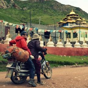 Motorcykeltur med munkene